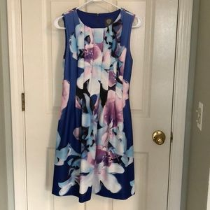 Vince Camuto floral dress. Size 6. Worn once.